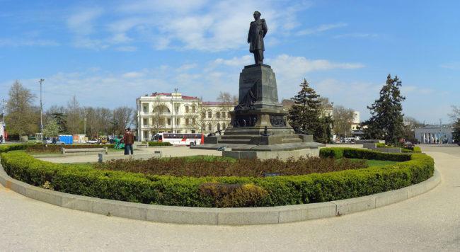 krym-ploshhad-naximova