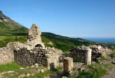 Средневековое укрепление Фуна