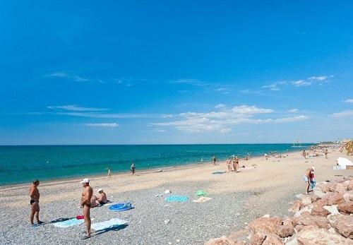 Пляж в Армянске