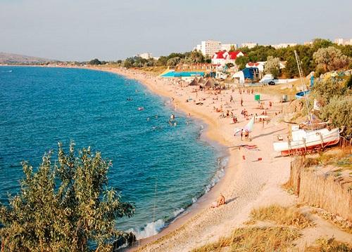 Центральный пляж в Щелкино - Крым