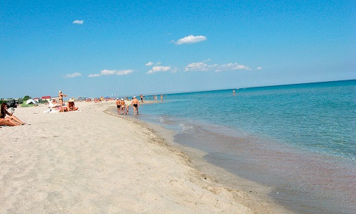 Поселковый пляж в Поповке, Крым