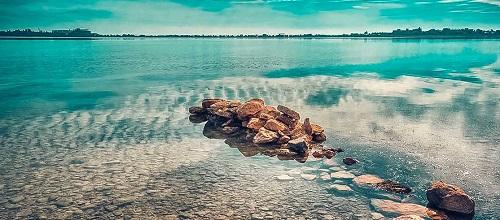 Озеро Мойнакское в поселке Заозерное, Крым
